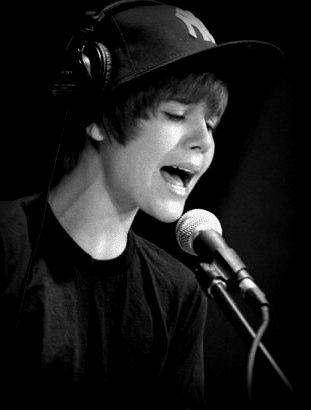 8287c3e7 Justin Bieber on Twitter Trend List