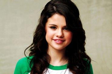 500111 selena gomez 617 409 Hacked Selena Gomez Twitter Attacks Justin Bieber